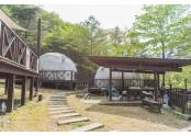 대둔산 젠틀 글램핑장 마다 테라스가 구비되어있습니다. 테라스 앞에서 바베큐를 즐기면서, 대둔산의 풍경을 감상하세요
